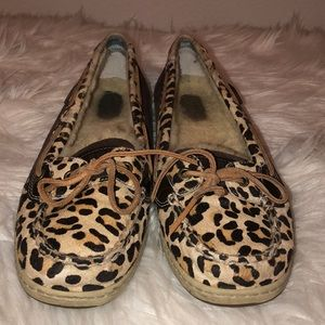 Cheetah Sperry's with Fur on inside. Women's 9